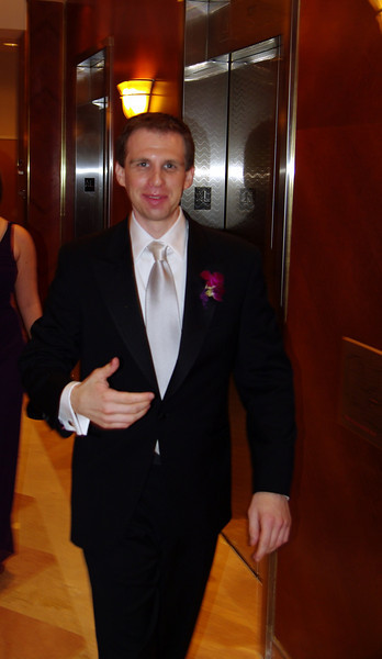 Just prior to the ceremony, Alex making his way through the hotel lobby