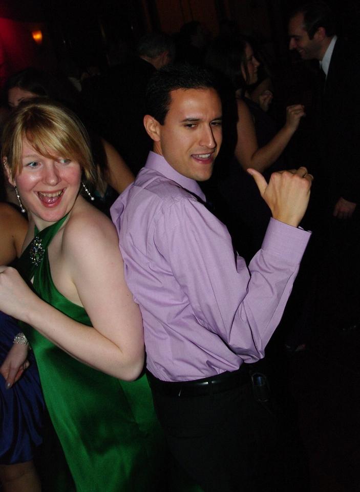 Jojo dancer putting the moves on Linnea