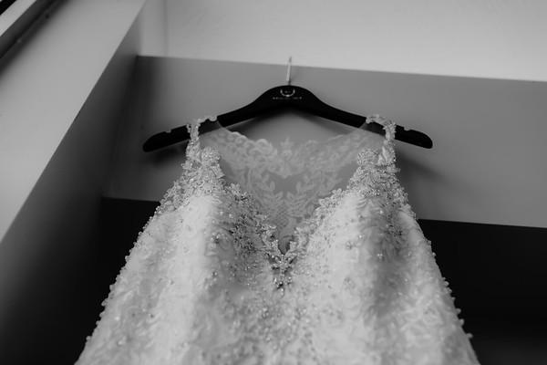 00009©ADHPhotography2020--ANDREWASHTONHOPPER--WEDDING--June6bw