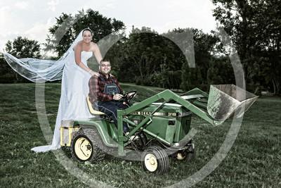 AM016_1390b_081212_183258_5DM3L_TractorSession