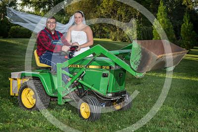 AM011_1381_081212_182043_5DM3L_TractorSession