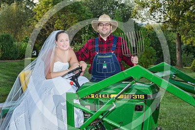 AM026_1442_081212_184626_5DM3L_TractorSession