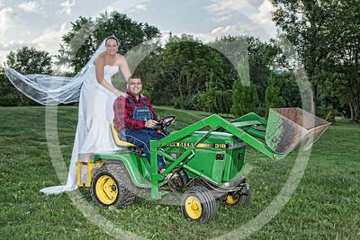 AM015_1390_081212_183258_5DM3L_TractorSession