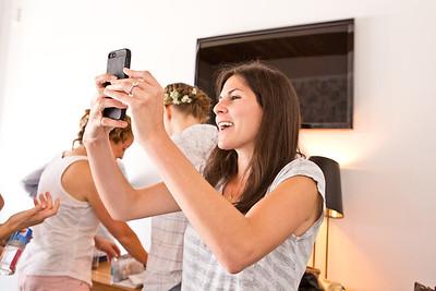 aguyandagirlphotography.com