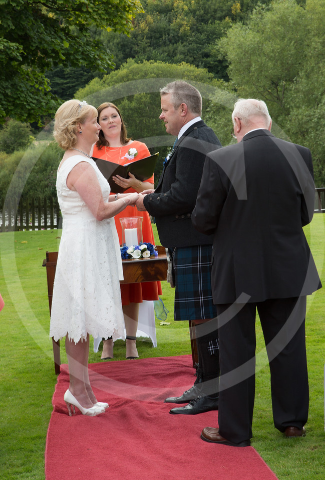 WalkerWeddingDryburgh043