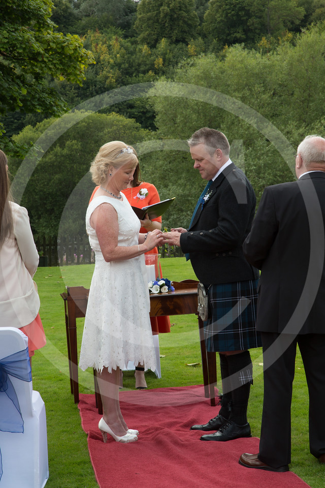 WalkerWeddingDryburgh046