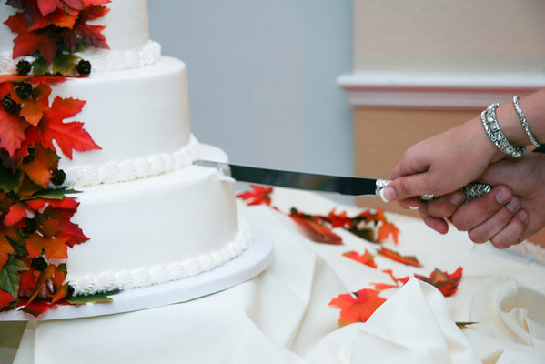 Cake cutting, Garter, Bouquet