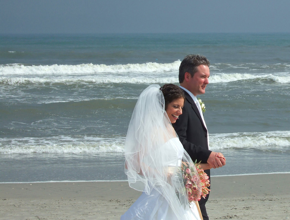 These are some wedding pictures that were taken on the Ventnor Beach 5/27/06