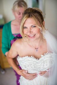 Bo-Mick-019-millbrook-estate-devon-wedding-photographer-rebecca-roundhill
