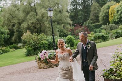 Bo-Mick-028-millbrook-estate-devon-wedding-photographer-rebecca-roundhill