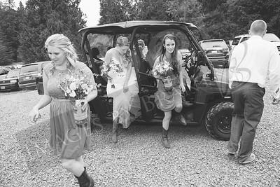 Yelm_Wedding_Photographers_0353_Braun_ds8_3118-2