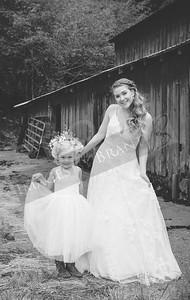 Yelm_Wedding_Photographers_0181_Braun_ds8_2673-2