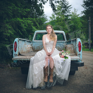 Yelm_Wedding_Photographers_0206_Braun_ds8_2781