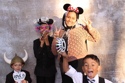 10-10-20_Brent_Brittney_PhotoBooth043