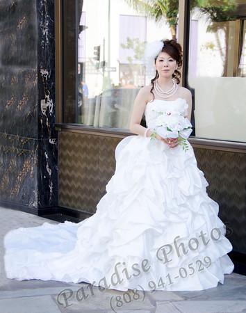 Bride on Kalakaua 041512rw 5001