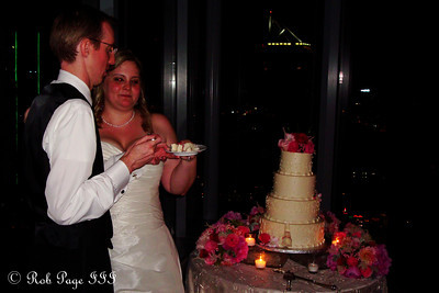 Tom and Carly share their wedding cake - Atlanta, GA ... June 17, 2011 ... Photo by Rob Page III