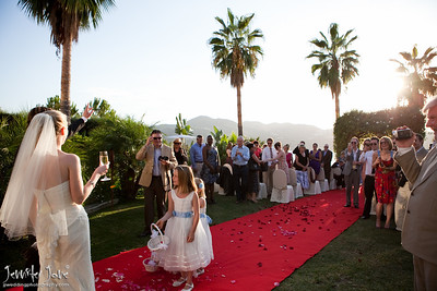 wedding_photography_confetti_shot_©jjweddingphotography_com