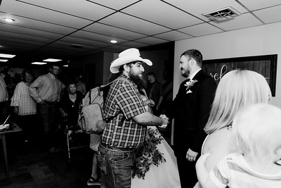 01041©ADHPhotography2020--ChanceKellyHayden--Wedding--AUGUST1bw