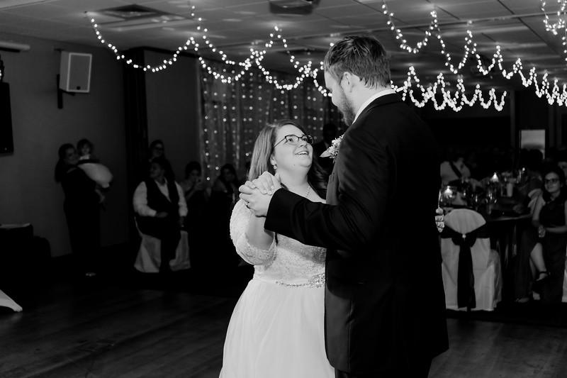 02209©ADHPhotography2020--ChanceKellyHayden--Wedding--AUGUST1bw