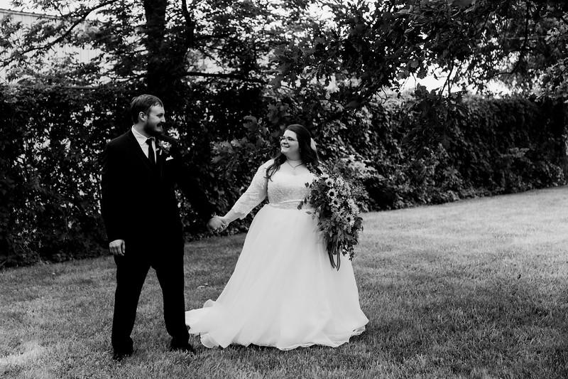 01134©ADHPhotography2020--ChanceKellyHayden--Wedding--AUGUST1bw