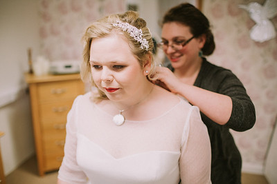 Charlotte-Glen-003-millbrook-estate-devon-wedding-photographer-rebecca-roundhill