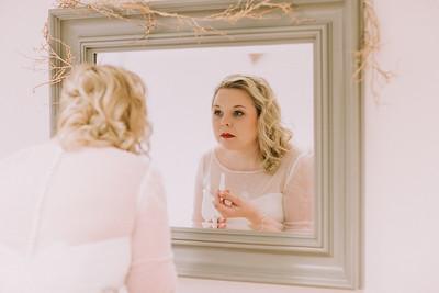 Charlotte-Glen-020-millbrook-estate-devon-wedding-photographer-rebecca-roundhill