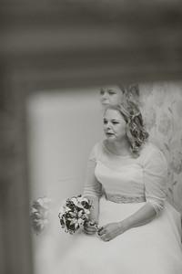 Charlotte-Glen-024-millbrook-estate-devon-wedding-photographer-rebecca-roundhill
