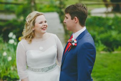 Charlotte-Glen-031-millbrook-estate-devon-wedding-photographer-rebecca-roundhill