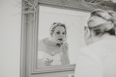 Charlotte-Glen-018-millbrook-estate-devon-wedding-photographer-rebecca-roundhill