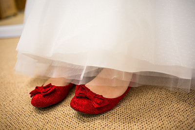 Charlotte-Glen-021-millbrook-estate-devon-wedding-photographer-rebecca-roundhill