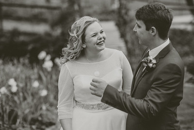 Charlotte-Glen-032-millbrook-estate-devon-wedding-photographer-rebecca-roundhill