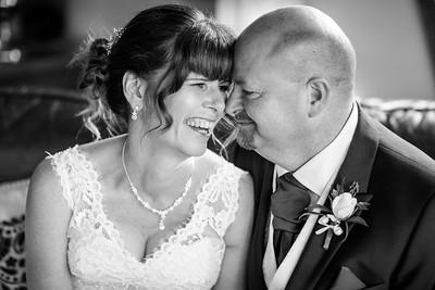 Chris-Diane-005-millbrook-estate-wedding-photographer-rebecca-roundhill