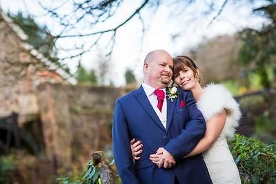 Chris-Diane-009-millbrook-estate-wedding-photographer-rebecca-roundhill