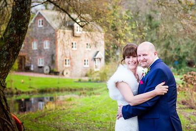 Chris-Diane-011-millbrook-estate-wedding-photographer-rebecca-roundhill