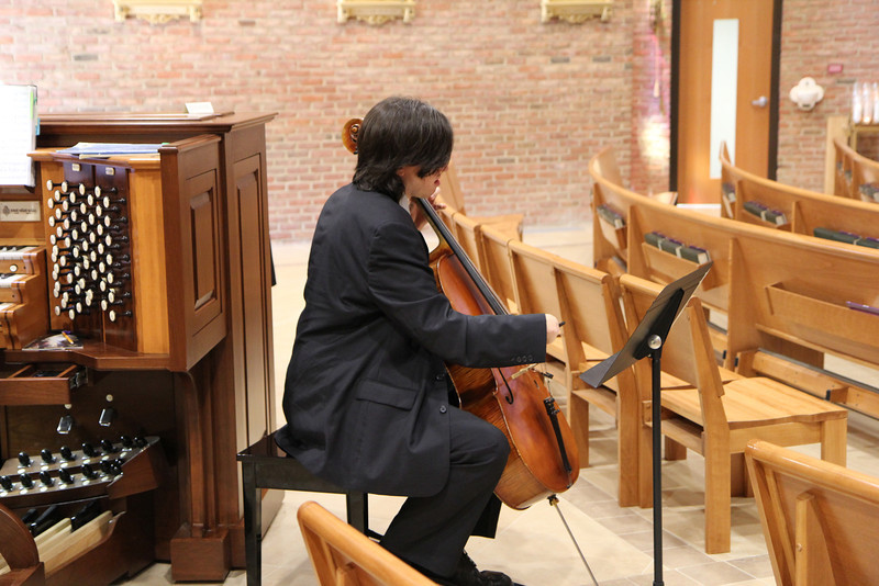 Brian Sanders played the cello for the ceremony.