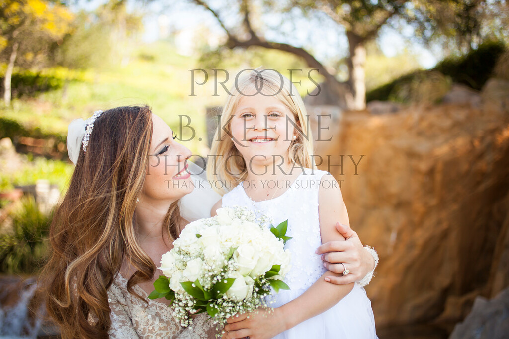 MC_WEDDING_BRIDE_GROOM_FAM_2015_BKEENEPHOTO_518