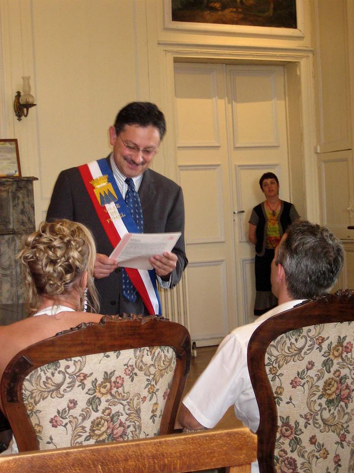 maire leest acte voor