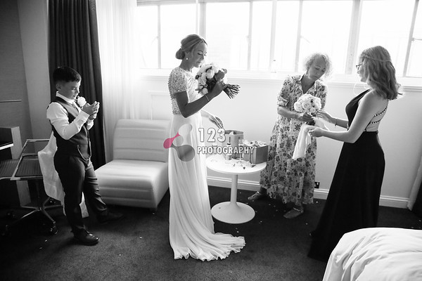 wedding photography Leeds Town Hall, Leeds registry office, Leeds wedding photographer, wedding photographer Leeds