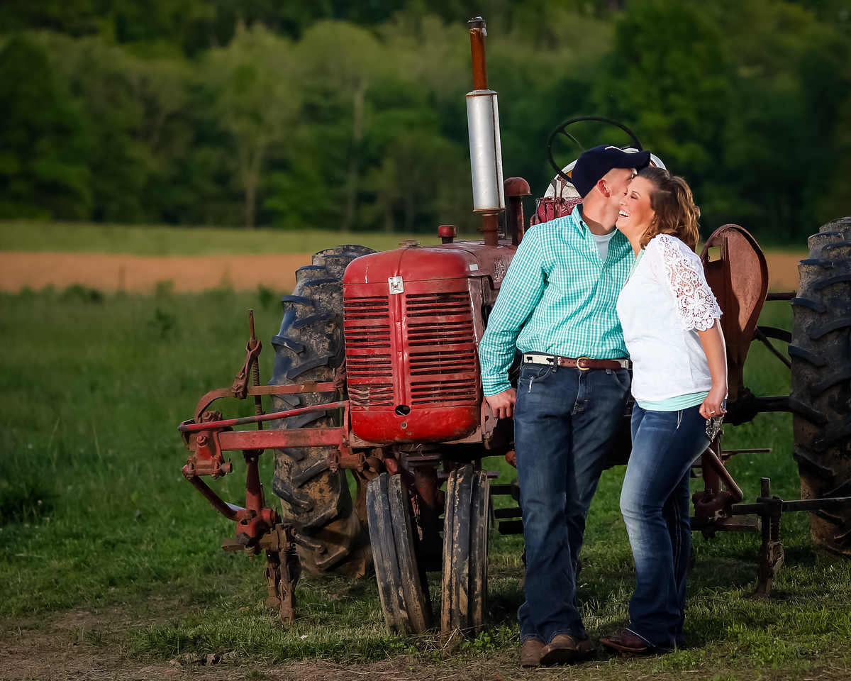 Kristen & Marshal, engagement photography in Jessamine County, 5.19.14.