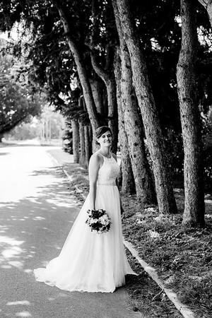 00911-©ADHPhotography2019--ColeLaurenJacobson--Wedding--September7bw