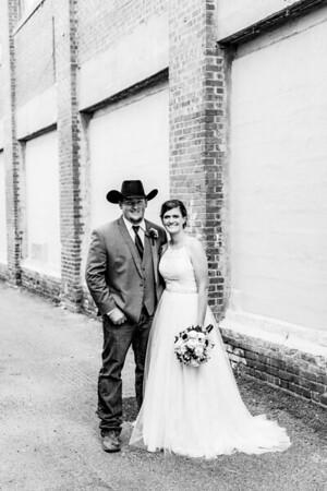 01695-©ADHPhotography2019--ColeLaurenJacobson--Wedding--September7bw