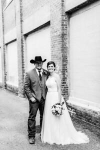 01697-©ADHPhotography2019--ColeLaurenJacobson--Wedding--September7bw