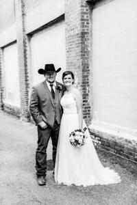 01698-©ADHPhotography2019--ColeLaurenJacobson--Wedding--September7bw