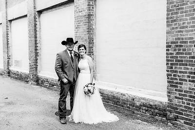 01691-©ADHPhotography2019--ColeLaurenJacobson--Wedding--September7bw
