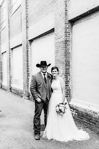 01692-©ADHPhotography2019--ColeLaurenJacobson--Wedding--September7bw