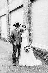 01699-©ADHPhotography2019--ColeLaurenJacobson--Wedding--September7bw
