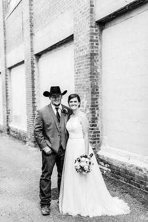 01696-©ADHPhotography2019--ColeLaurenJacobson--Wedding--September7bw