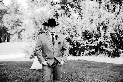 00262-©ADHPhotography2019--ColeLaurenJacobson--Wedding--September7bw