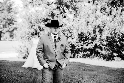 00260-©ADHPhotography2019--ColeLaurenJacobson--Wedding--September7bw