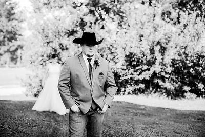 00259-©ADHPhotography2019--ColeLaurenJacobson--Wedding--September7bw